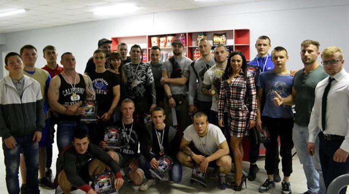 Официальный сайт болельщиков фк севастополь что такое домен хостинг движок